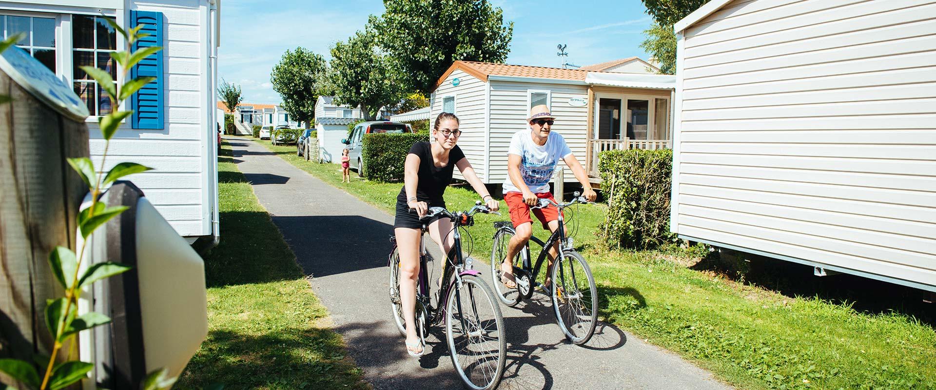 Les allées du camping en Vendée