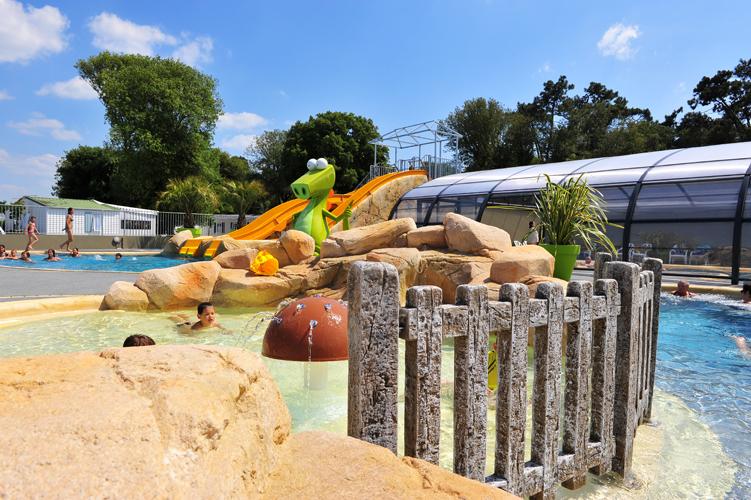 Camping avec piscine couverte proche les sables d'olonne
