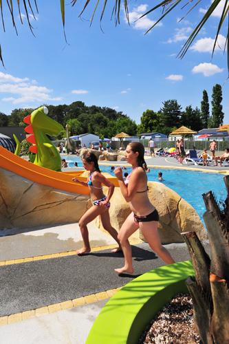 Camping avec toboggans aquatiques près des Sables d'Olonne