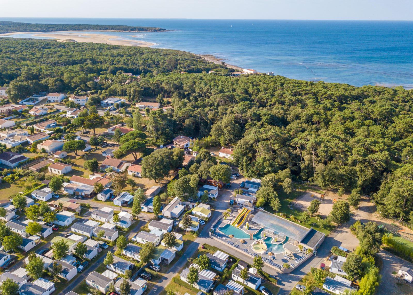 Vue aérienne du camping pas cher en Vendée