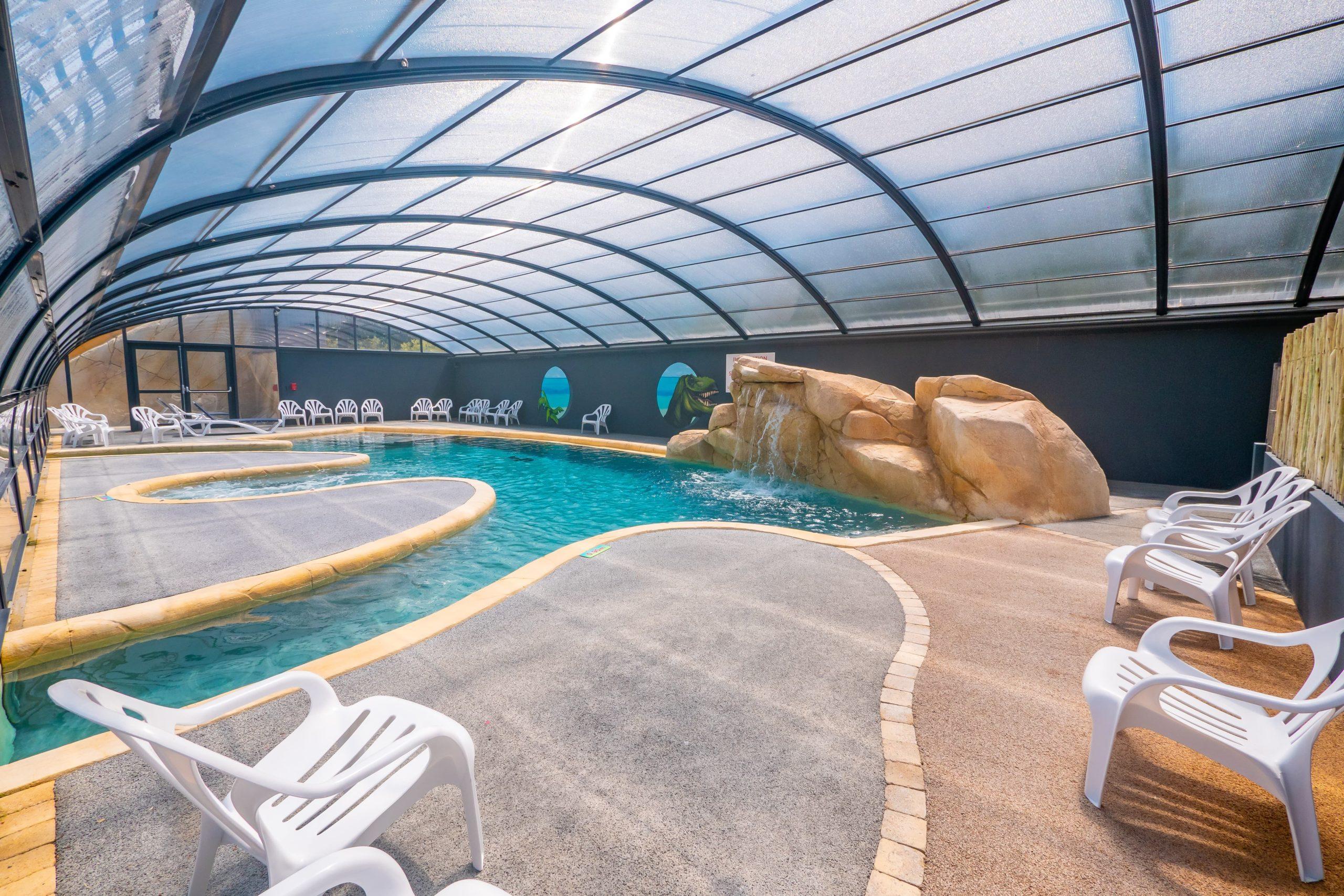 piscine couverte camping vendée